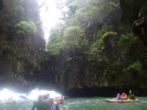 (pic - Story) James Bond Island - Hong Island Grotto 04