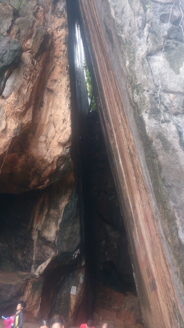 (pic - Story) James Bond Island - Sloping Cave 02