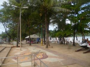 (pic - Story) Phuket - Beach Walk 04