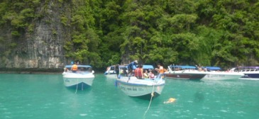 Speed Boat to Phi Phi