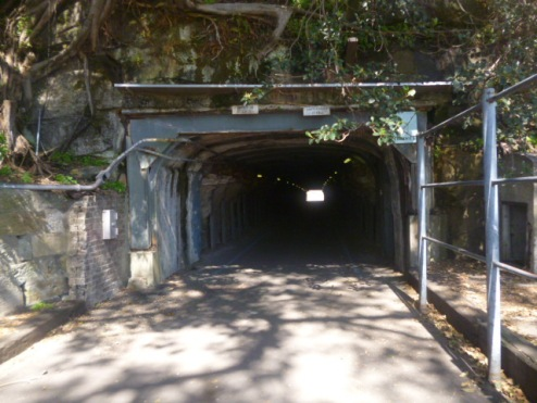 (pic - Story) Cockatoo Island - Tunnel 01