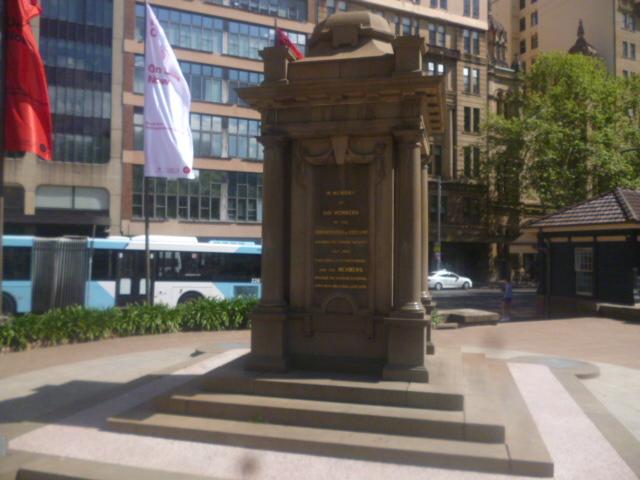 (pic - Story) Hyde Park - IOOF Memorial