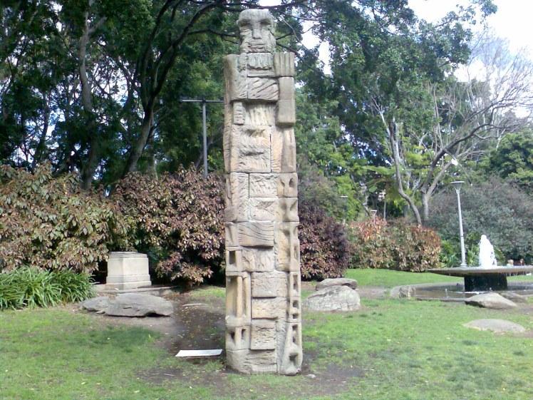 (pic - Story) Hyde Park - Totem Pole