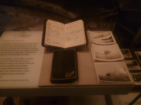 (pic - Story) Hyde Park - War Memorial Museum 02