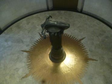 (pic - Story) Hyde Park - War Memorial Statue
