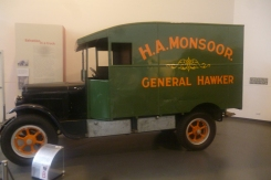 (pic - Story) Motor Museum - Commercial Vehicle 03