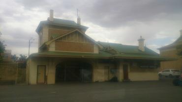 (pic - Story) Overland - Murray Bridge Station