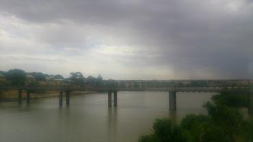 (pic - Story) Overland - Murray Bridge