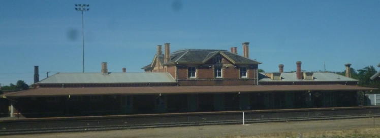 (pic - Story) Overland - Stawell Station 04