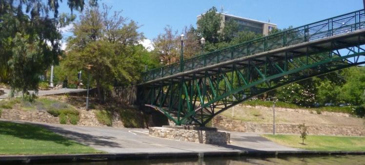 (pic - Story) Popeye - Uni Footbridge