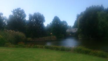 (pic - Story) Adelaide Gardens - Lake 02