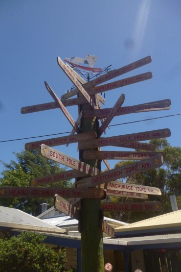(pic - Story) Gumeracha - Sign Posts 01