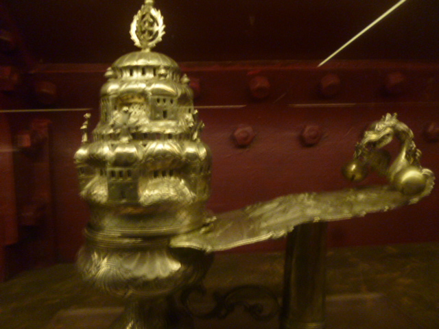 (pic - Story) Hellenic Museum - Incense Holder