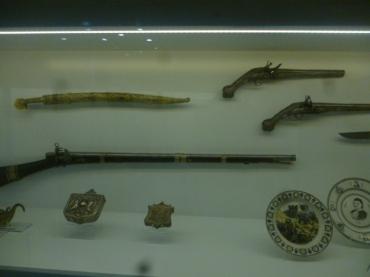 (pic - Story) Hellenic Museum - Revolutionary Guns