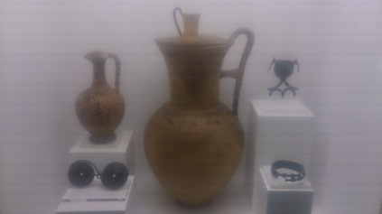 (pic - Story) Hellenic Musuem - Bronze Age Pottery