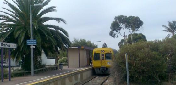 (pic - Story) Henley & Grange - Railway Station