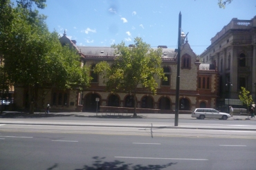 (pic - Story) The Rundles - Old Parlaiment House