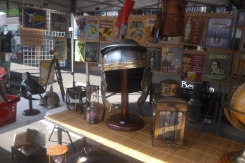 (pic - Story) Brunnie Festival - Antique Stall 03