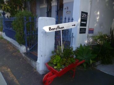 (pic - Story) Paddington - Garden Ally 01
