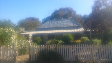 (pic - Story) To Melbs - Great Western House