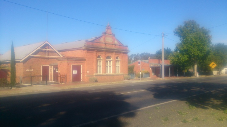 (pic - Story) To Melbs - Great Western Mechanic