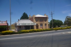 (pic - Story) To Melbs - Kaniva Buildings 02