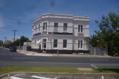 (pic - Story) To Melbs - Nhill Buildings 01