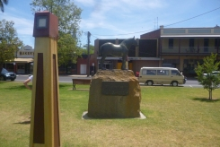 (pic - Story) To Melbs - Nhill Buildings 04