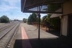 (pic - Story) To Melbs - Nhill Station 02