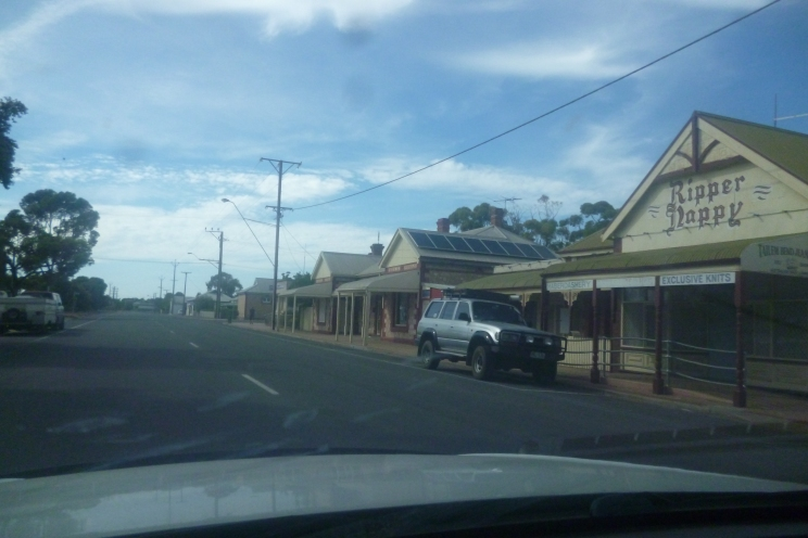 (pic - Story) To Melbs - Talem Bend 04