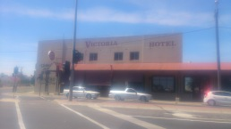 (pic - Story) To Melbs - Victoria Hotel 01