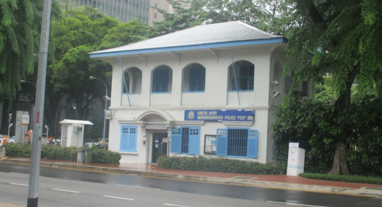 pic-story-singapore-2016-police-station