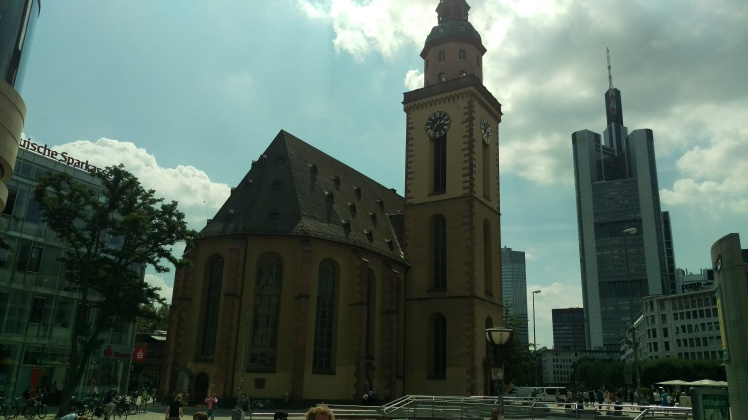 pic-story-frankfurt-church-pic