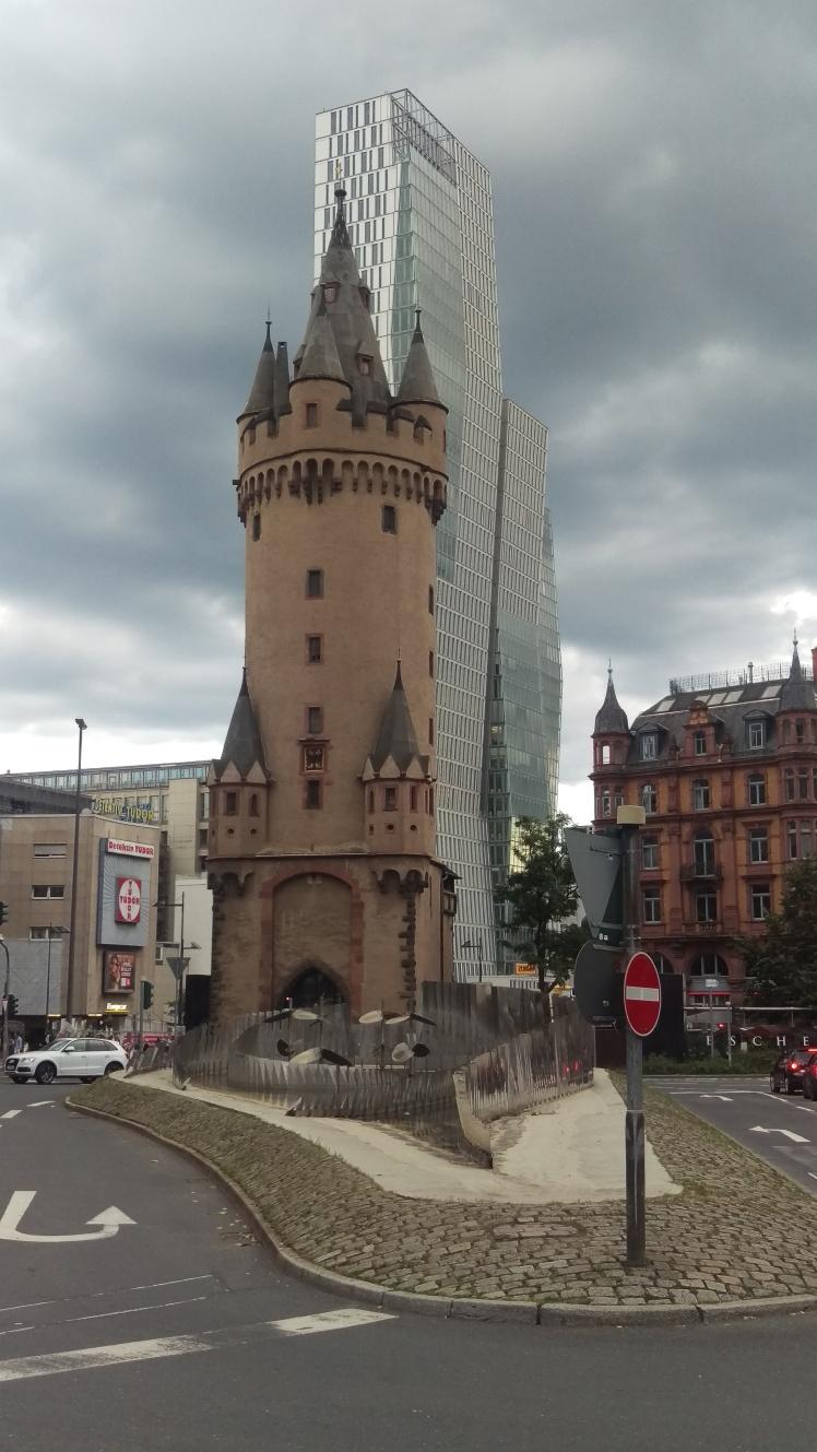 pic-story-frankfurt-eschenheimer-tor