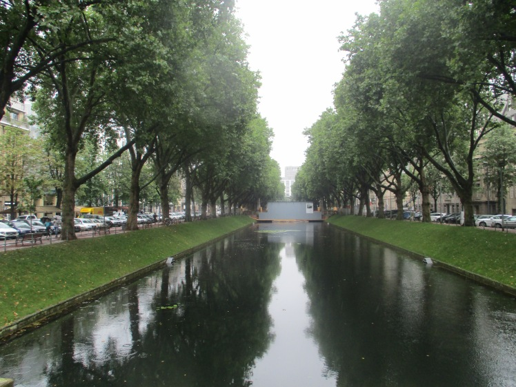 pic-story-dusseldorf-moat