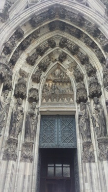 pic-story-koln-cathedral-02