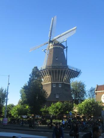 pic-story-amsterdam-windmill