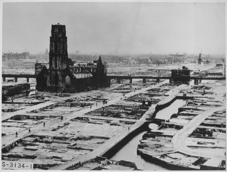 (pic - Story) Rotterdam - German Bombing
