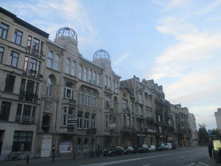 (pic - Story) Antwerp - Street Scene