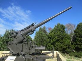 (pic - Story) Perth - Guns 04