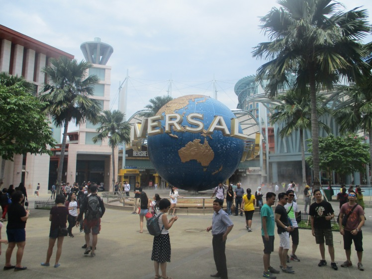 (pic - Story) Sentosa - Universal Entrance