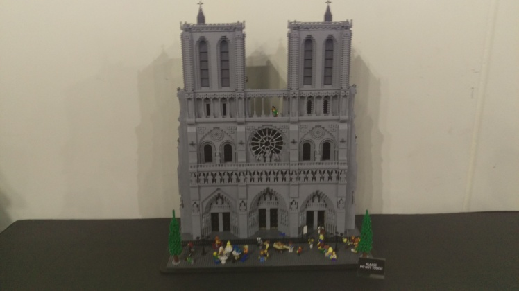 (pic - Story) Lego - Notre Damme