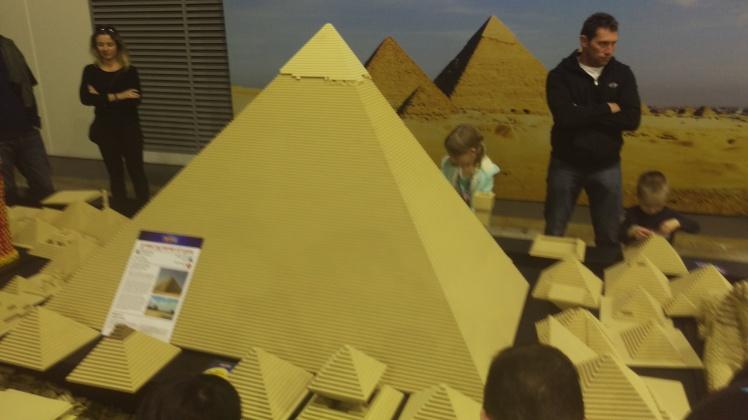 (pic - Story) Lego - Pyramids 01