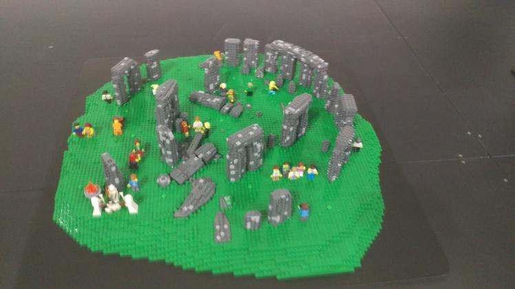 (pic - Story) Lego - Stone Henge