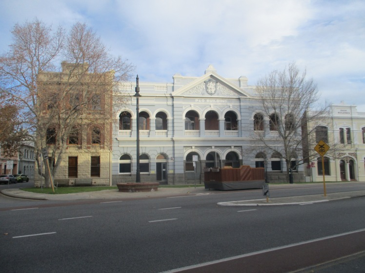 (pic - Story) Freo - Building