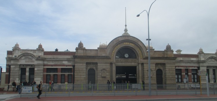(pic - Story) Freo - Station