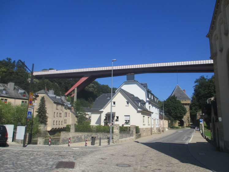 (pic - Story) Luxembourg - Valley Village
