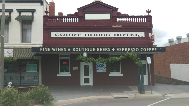 (pic - Story) Ararat - Courthouse Hotel