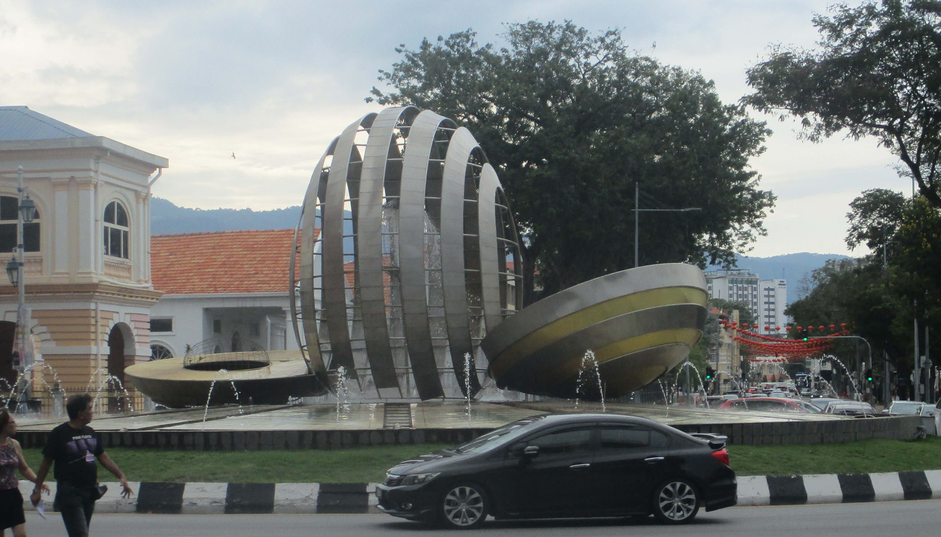 (pic - Story) Penang - Round-a-bout