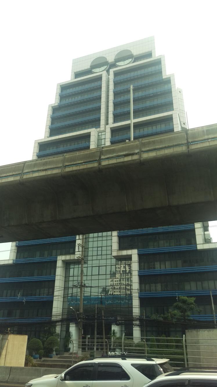 (pic - Story) Bangkok - Robot Building